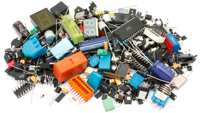 источники питания, разъёмы, полупроводники, конденсаторы, резисторы, ферриты, трансформаторы, фильтры, микросхемы, датчики, предохранители, выключатели,  устройства защиты, вентиляторы, преобразователи, источники света, инструменты, корпуса, оптоэлектроника, потенциометры, реле, лазерные модули, сетевое и телекоммуникационное оборудование, аккумуляторы и многое другое.